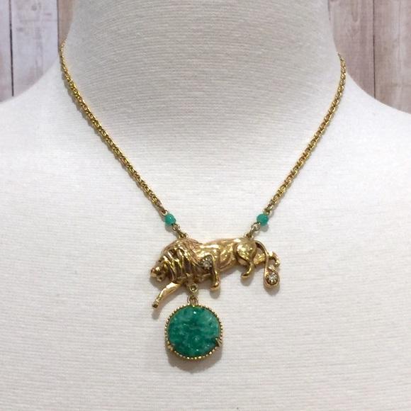 Vintage Florenza Lion Necklace Gold plated Jase glass